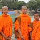 Moines à Angkor Vat